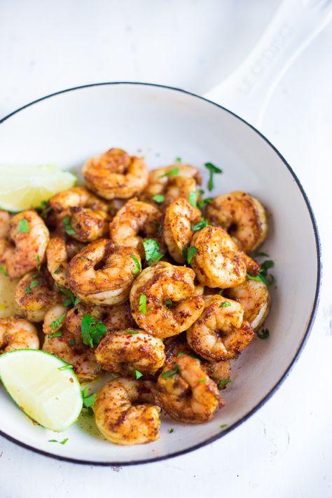 Tacos de crevettes des Caraïbes avec une mangue chou Slaw- débordante de saveur des Caraïbes!  Www.feastingathome.com | saine et peut être faite en 30 minutes!
