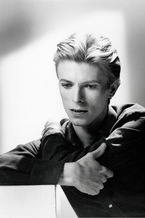 Top quotes by David Bowie-https://s-media-cache-ak0.pinimg.com/474x/b3/7b/69/b37b693e02fb220d8382afd46a918562.jpg