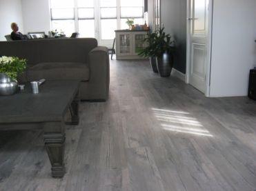 Grijs Laminaat Woonkamer : Grijze laminaat vloeren floer landhuis laminaat vloer beton grijs