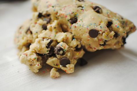 Cookie Dough. In a minute. And Healthy. Does it get any better?  #skinny #healthy #cookiedough