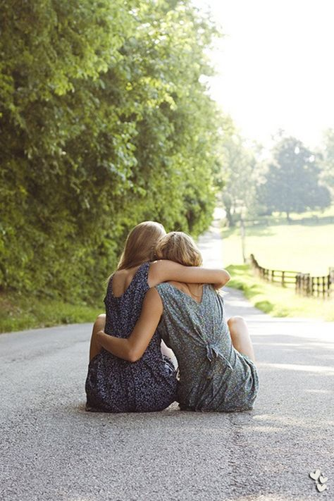 ❤❤❤ best friend or sisters pose