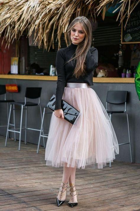 Feminine Looks Black Tulle Skirt Outfit Ideas 21