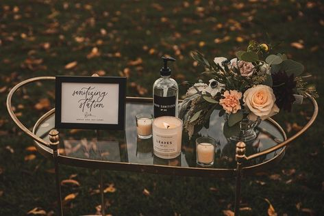Ideas for a Dreamy (and Safe) Backyard Wedding. For more COVID wedding planning tips, visit burghbrides.com! #backyardwedding #backyardweddinginspiration #covidweddingideas