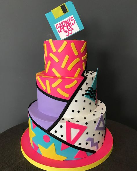 party The are back.and were ready with this totally rad cake for a throwback birthday bash! 80s Birthday Parties, 35th Birthday, Themed Birthday Cakes, Happy Birthday, 90s Theme Party Decorations, 80s Theme, 90s Theme Parties, 80s Party Foods, Girls Party