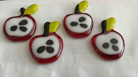 Fused Glass Apple Pins. Makes a nice Thank You Gift for a Teacher.