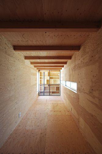 上原の家 2016年竣工 隠し部屋となっている書斎 階段は無く