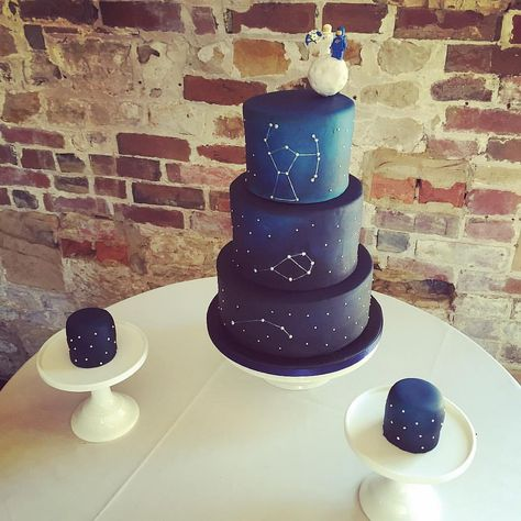 A constellation wedding cake complete with moon and Lego cake toppers. Congratulations to Jo and James on your wedding day