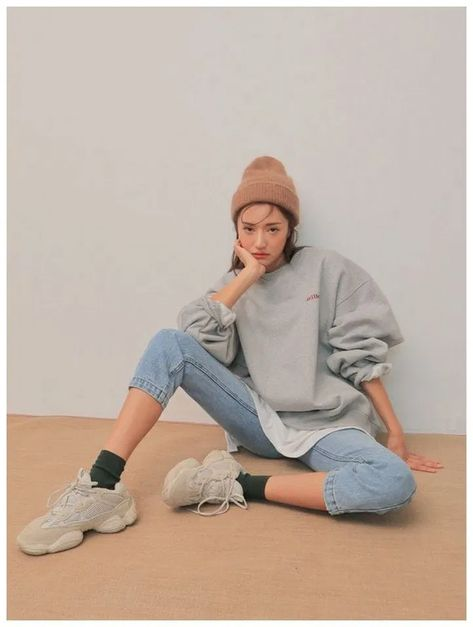 Cute Ulzzang Korean Girl Winter Casual Seoul Street Style Fashion Aesthetic Vintage Retro Outfit Pic