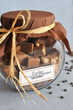 Fudge au caramel, chocolat, vanille et noisettes via Liesel Kutu