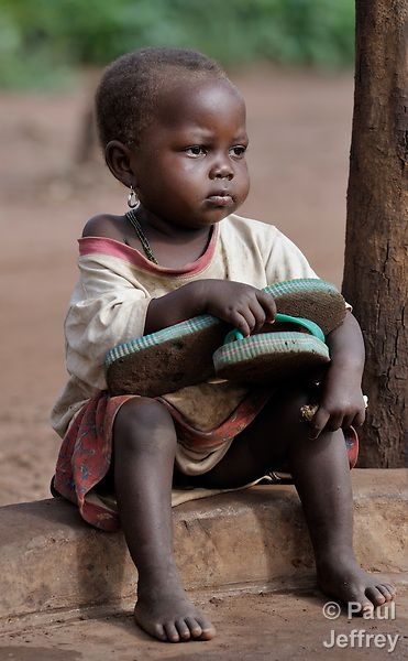 Girl in Congolese refugee camp in Southern Sudan | KairosPhotos - Images by Paul Jeffrey