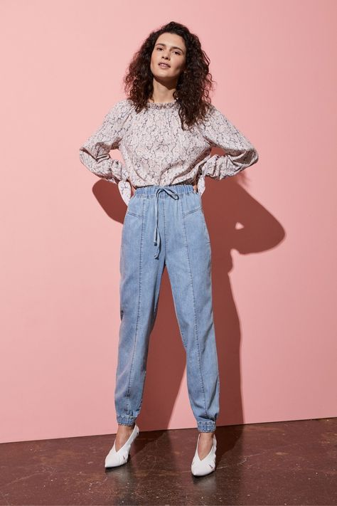 La Vie Rebecca Taylor Resort 2019 collection, runway looks, beauty, models, and reviews.