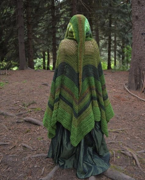 witch of the forest Cloak: made by me. I do not offer patterns for my designs. Crochet Hood, Crochet Cape, Crochet Shawl, Knit Crochet, Crochet Scarfs, Yarn Projects, Crochet Projects, Cloak Pattern, Forest Fashion