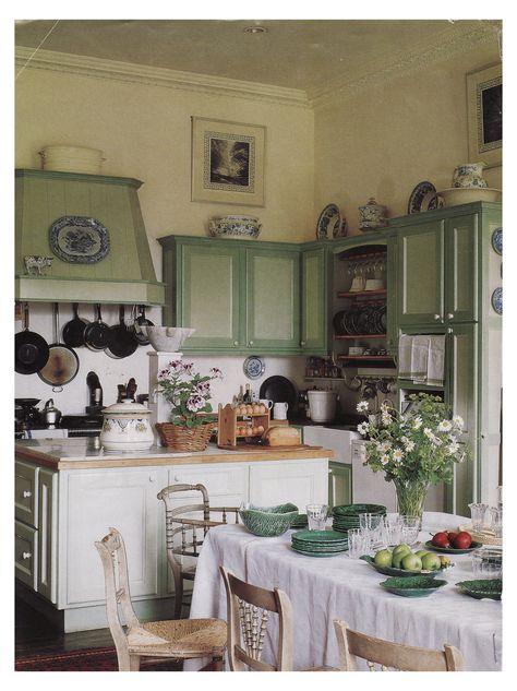 English Cottage Kitchens, Plain English Kitchen, Cottage Kitchen Decor, Green Kitchen, Green Country Kitchen, My New Room, House Rooms, Home Interior, Kitchen Design
