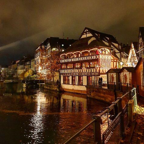 """21 mentions J'aime, 1 commentaires - 👉 Influenceur 🥨 Strasbourg 👈 (@jacktyphus) sur Instagram: """"Les décorations de #Noël rechauffent la #PetiteFrance à #Strasbourg ! ✨🌲"""""""