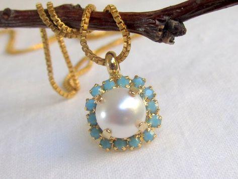 #weddings #jewelry #earrings #bridesmaidgift #bridalearrings #vintageearrings #goldstudearrings #bridesmaidsearrings #turquoiseearrings #pearlearrings #bridalwedding #swarovskiearrings #pearlstudearrings #whitepearlstuds #pearlbridesmaid