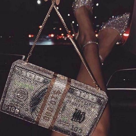 Boujee Aesthetic, Badass Aesthetic, Bad Girl Aesthetic, Aesthetic Collage, Aesthetic Vintage, Luxury Purses, Luxury Bags, Mode Poster, Glitter Photography
