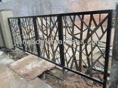 Pin By Daniel Miranda On Contemporary Metal Fence Design Wrought Iron Fences Iron Gate Design