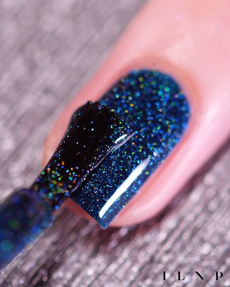 ILNP Sweater Weather - Petrol Blue Holographic Nail Polish