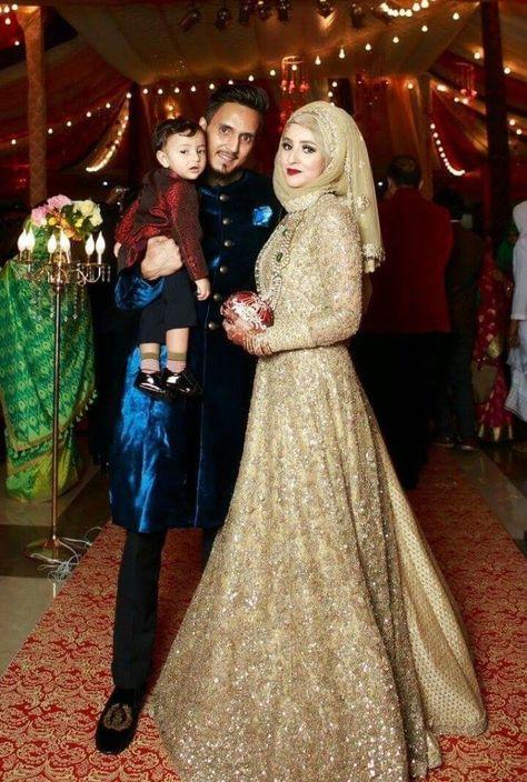 PINTEREST @adarkurdish Cute couple in 2019 Hijab gown, Fashion, Wedding hijab styles