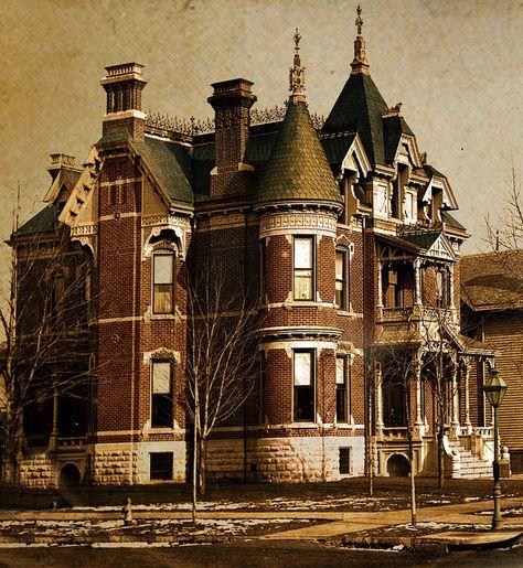The haunted Temperance Building In Harriman, Tn