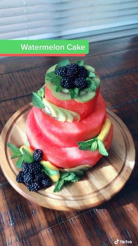Fruit Cake Watermelon, Fresh Fruit Cake, Cake Made Of Fruit, Fruit Platter Designs, Food Decoration, Fruit Decorations, Fruit Recipes, Healthy Recipes, Fruit Buffet