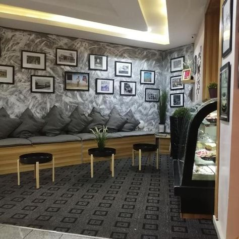 Brentford Set 5 Km From Big Church Brentford Offers A Garden And Air Conditioned Accommodation With A Balcony And Free Wifi Hotel Lagos Hotels Lodging Acc