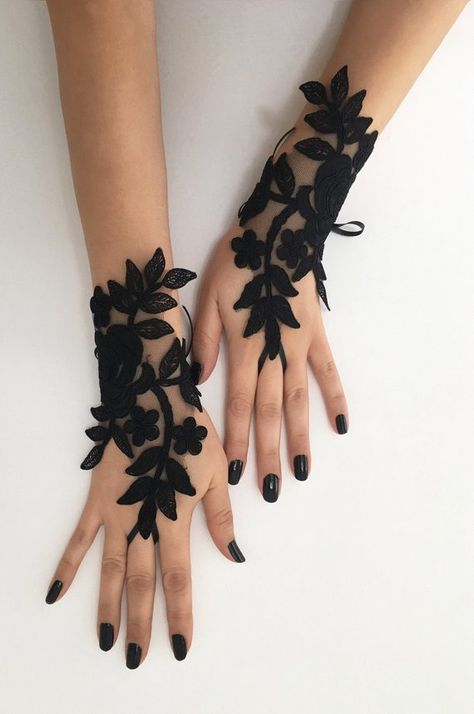Black lace glove french lace bridal gloves, fingerless gloves black glove burlesque glove guantes steampunk glove goth wedding in 2019 Gants Steampunk, Steampunk Gloves, Steampunk Necklace, Gothic Steampunk, Black Lace Gloves, Lace Dress Black, Black Lace Fabric, Lace Bridal, Bridal Crown
