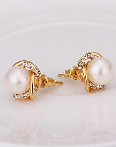 Check The Details And Price Of This Gold Shimmered Zircon Sunflower Pearl Earrings