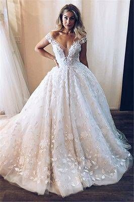 Elegant Scoop Long Sleeves Appliques Ball Gown Wedding Dresses In