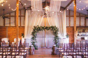 9 Rustic Barn Wedding Venues In Houston Southeast Texas Wedding Venue Houston Barn Wedding Barn Wedding Venue