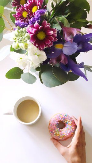 Coffee And Flowers By Ks Floral Concepts At Flower Crown Workshop By Love Sparkle Pretty Flower Crown Love Sparkle Flowers