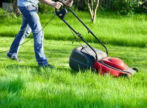 Superb Rasen l ften mit selbstgemachten Nagelschuhen
