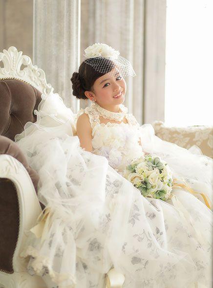 七五三 7歳 おしゃれまとめの人気アイデア Pinterest Rumiko Iseki ウェディングドレス フラワーガールドレス 七五三 ヘアスタイル 女の子