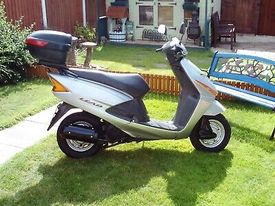 For Sale Honda Scv 100 Lead Scooter In 2020 Mopeds For Sale Scooters For Sale Scooter