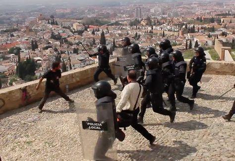 Desalojo y Carga policial en las cuevas de San Miguel (Albaicín)