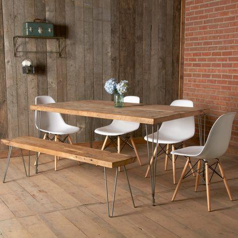 Cuisine en bois ou une table à manger peut accueillir 4-6. Tables de repas de produits de bois urbains, tables de conférence, tables de cuisine et