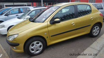 Price And Specification Of Peugeot 206 1 6 Xt 1 6 Xt For Sale Http Ift Tt 2pe4mhf Peugeot Used Cars Price