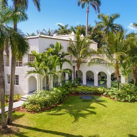 Al Capone S Newly Renovated Miami Mansion Could Be Your New Escape Beach Mansion Miami Beach Mansion Mansions