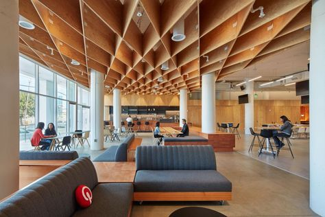 's HQ at 651 Brannan Street in San Francisco. Right off the bat, the space feels airy and bright thanks to a large common area right off the lobby.