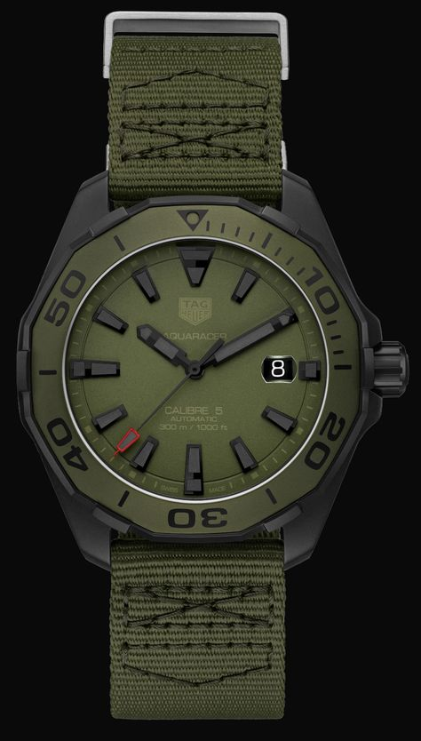 TAG Heuer Aquaracer 300 Caliber 5 Watches In Khaki & Camo Watch Releases Amazing Watches, Cool Watches, Watches For Men, Dream Watches, Luxury Watches, Tag Heuer, Gadget Watches, Baselworld 2017, Skeleton Watches