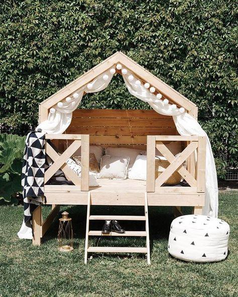 """Ideias Diferentes on Instagram: """"Lounge para a criançada brincar no jardim de casa. 💚🌿🌱☘️ 📸 @moonsters_store #ideiasdiferentes • Confiram também o perfil @diadedecor do…"""""""