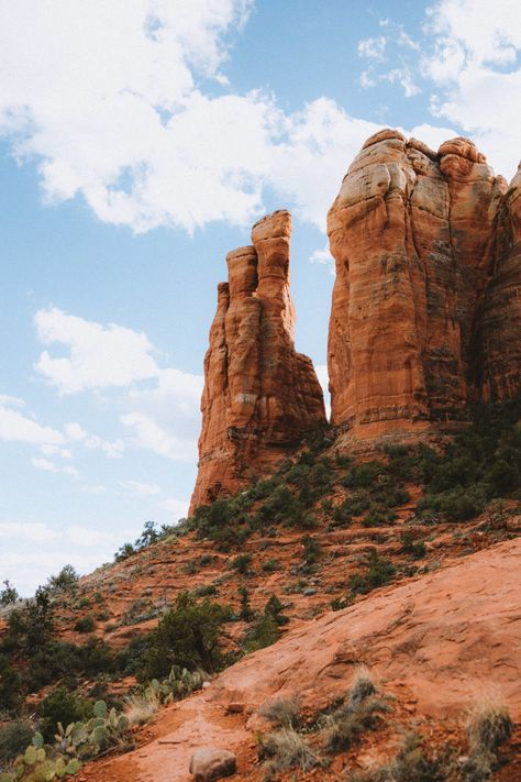 Hike Cathedral Rock Trail In Sedona During Sunset To Kick Off This Epic Outdoor Season - The Mandagies