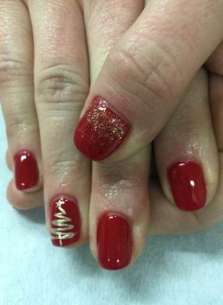 44 Ideas For Nails Gel Red Christmas Trees Red And Gold Nails Christmas Tree Nails Tree Nails