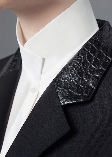 Détails du col de la chemise asymétrique.   [Equestrian Fashion] Michael and Kenzie 1911, the contemporary equestrian design
