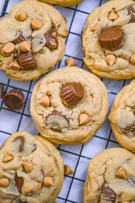 Peanut Butter Cups, Snickers Peanut Butter, Chewy Peanut Butter Cookies, Köstliche Desserts, Delicious Desserts, Dessert Recipes, Yummy Food, Blueberry Desserts, Tasty