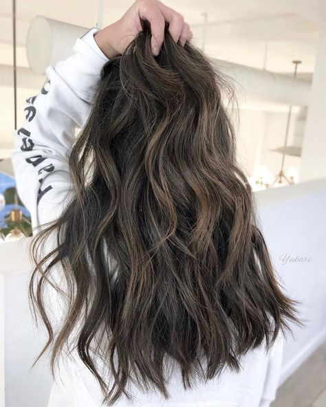 Spring's Most-Requested Hair Treatment Is a Perm, But It's Not What You Think Permed Hairstyles, Braided Hairstyles, Beach Hairstyles, Men's Hairstyle, Formal Hairstyles, Wedding Hairstyles, Beach Wave Perm, Beach Waves Long Hair, Medium Hair Styles