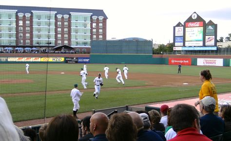 Minor League Baseball In Manchester N H Home Of The Fischer Cats 2008 Minor League Baseball Baseball Field Baseball