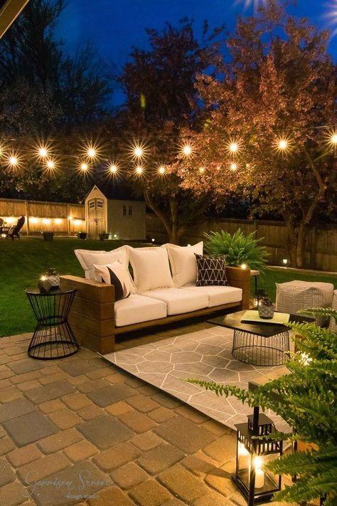 Casual modern backyard patio reveal ©️garrisonstreetdesignstudio outdoor furniture diy wood rustic modern easy ideas on a budget lounge dining enterta Backyard Seating, Backyard Patio Designs, Diy Patio, Backyard Landscaping, Table Seating, Backyard Ideas, Backyard Barn, Pergola Ideas, Landscaping Ideas