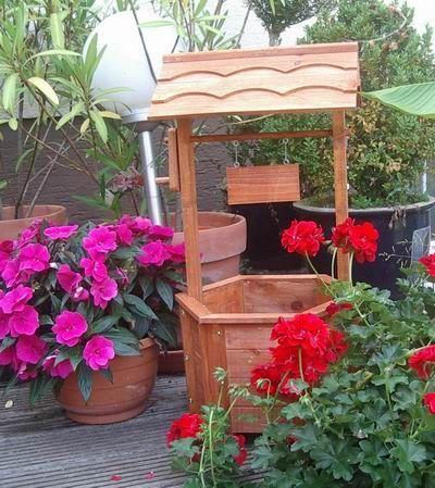 Garten Deko Brunnen Zierbrunnen Pflanzgefass Blumentopf Holz In 2020 Outdoor Decor Garten Deko