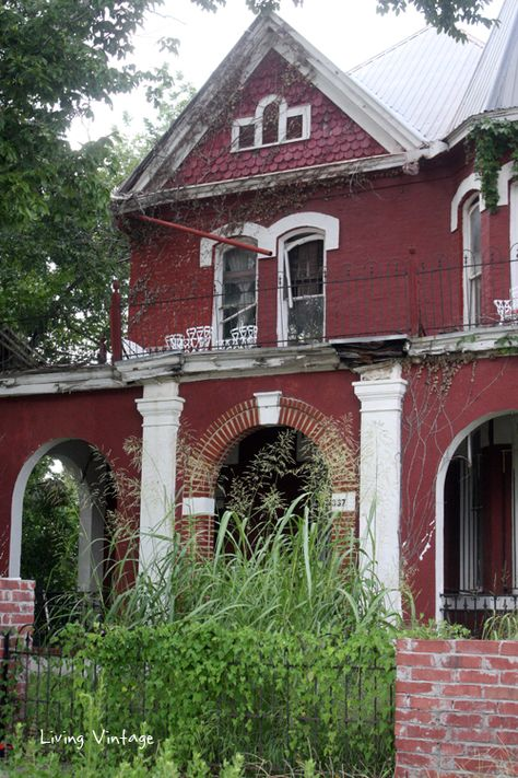 Another abandoned house we spotted, this time in Rockdale, Texas.